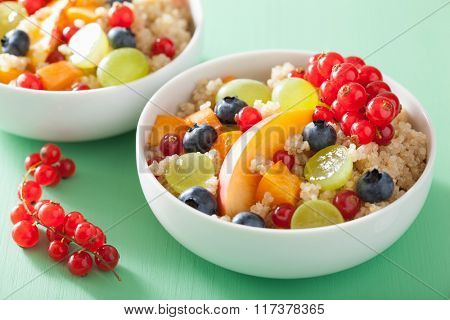 healthy breakfast quinoa with fruits berry nectarine blueberry grape