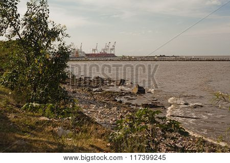 Port and enviroment