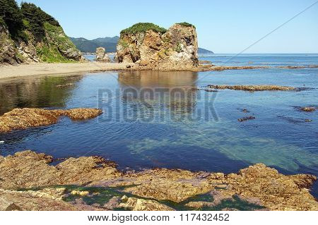 Bay Cape Giant, Sakhalin Island at low tide