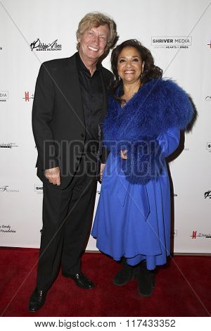 LOS ANGELES - FEB 4:  Nigel Lythgoe, Debbie Allen at the Debbie Allen's Freeze Frame U.S. Premiere at the Wallis Annenberg Center for the Performing Arts on February 4, 2016 in Beverly Hills, CA