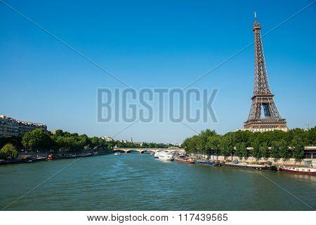 Eiffel tower on bright day