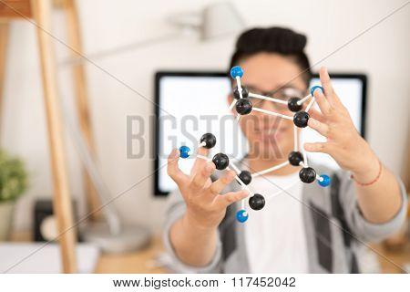 Showing molecule