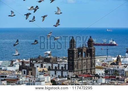 Cathedral of Santa Ana (Holy Cathedral-Basilica of the Canaries) in Las Palmas seen from a hill