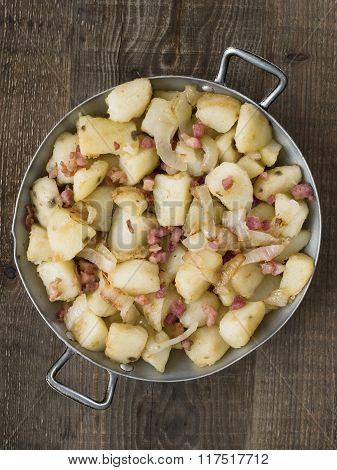 Rustic German Pan Fried Potato Bratkartoffeln