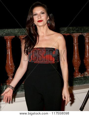 LOS ANGELES - FEB 8:  Catherine Zeta-Jones at the 15th Annual Movies For Grownups Awards at the Beverly Wilshire Hotel on February 8, 2016 in Beverly Hills, CA
