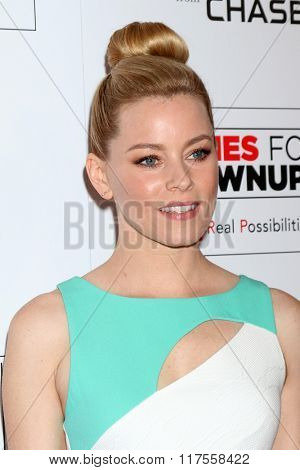 LOS ANGELES - FEB 8:  Elizabeth Banks at the 15th Annual Movies For Grownups Awards at the Beverly Wilshire Hotel on February 8, 2016 in Beverly Hills, CA