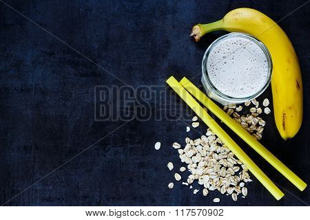 Banana Smoothie With Oat Flakes
