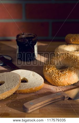 the tasty bagel with sesame seed