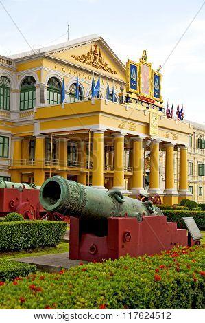 Cannon Bangkok    Architecture  Garden Steet