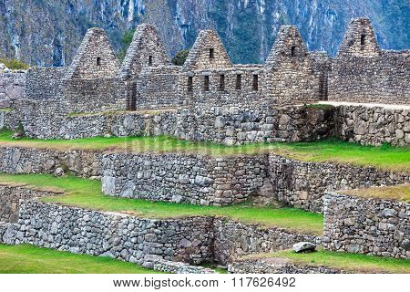 terraces and ancient houses to Machu Picchu