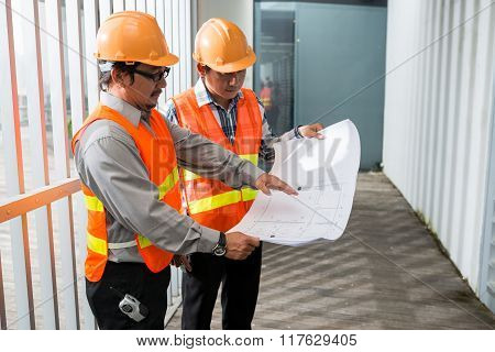 Contractor and coworker