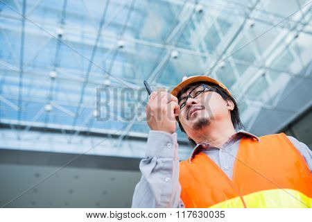 Contractor with transmitter
