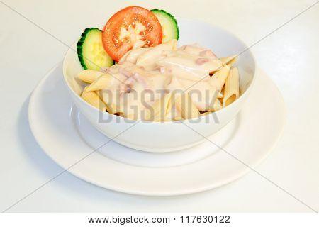 carbonara sauce and pasta