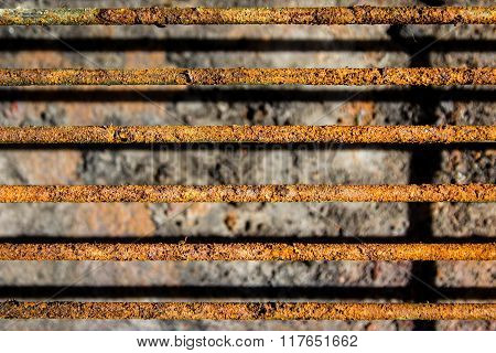 Grill grate with rust