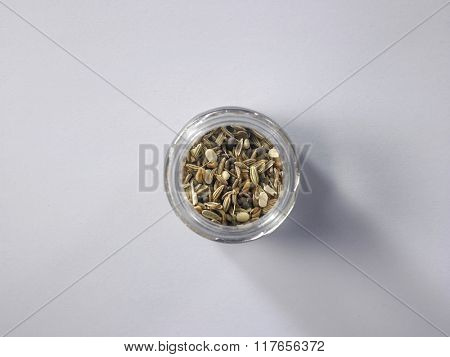 spice blend commonly used in Eastern India and Bangladesh and consists of the following seeds: Cumin, Brown Mustard, Fenugreek, Nigella and Fennel