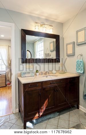 Renovated en suite bathroom with nice cabinets