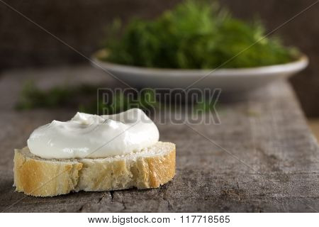 Whole Grain Bagel With Cream Cheese