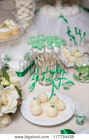 Fancy Wedding Table Set And Decorations