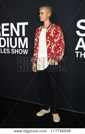 LOS ANGELES - FEB 10: Justin Bieber arriving at the Saint Laurent fashion show at the Hollywood Palladium on February 10, 2016 in Los Angeles, California