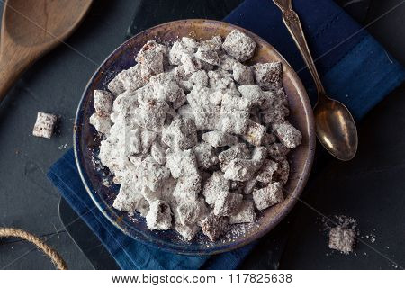 Homemade Powdered Sugar Puppy Chow