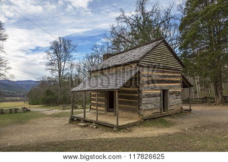 Historic Smoky Mountains Cabin - Cades Cove, Tennessee