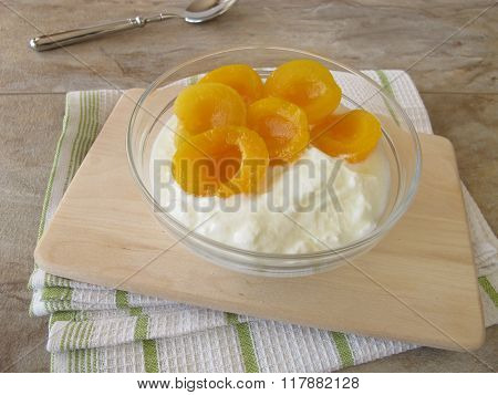 Soured milk with apricots