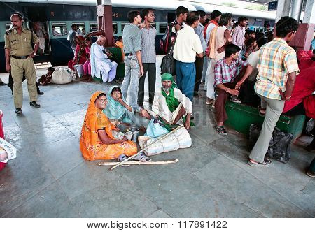 Family On The Platform Of The Indian Station