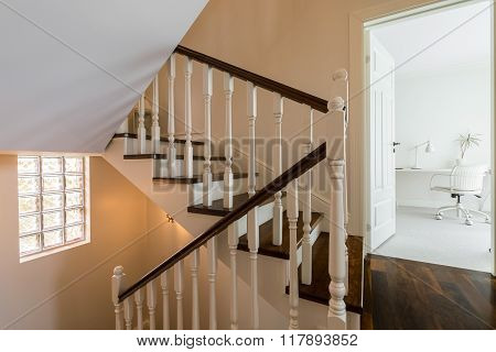 Elegant And Light Staircase
