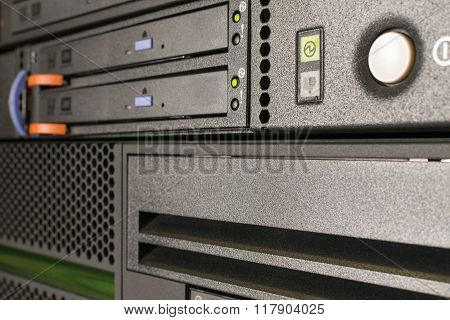Server And Cd Or Dvd And Tape Drive