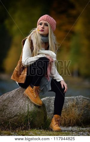 young pretty woman portrait outdoor in fall