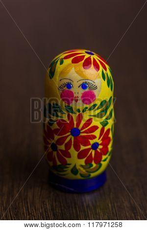 Matryoshka traditional set wooden figures nesting doll babooshka toys