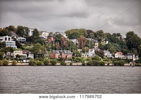 Villas and houses on Hamburg's waterfront, Germany