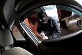picture of scumbag  - robber and the thief hijacks the car - JPG