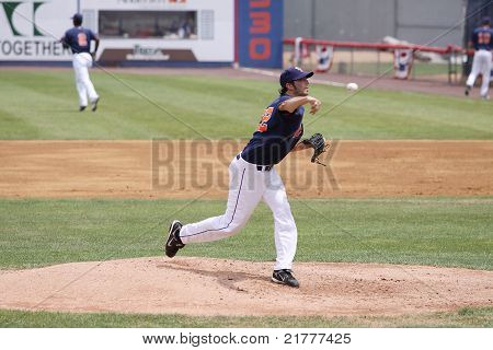 Binghamton Mets pitcher Brandon Moore throws a pitch