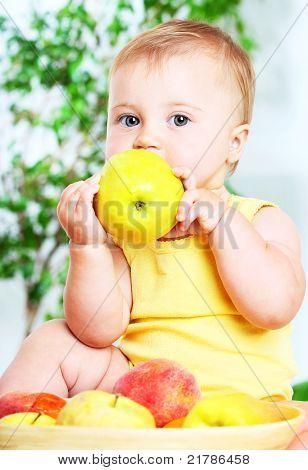 Kleine Baby-Essen-Apple