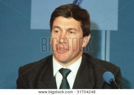 Londres - el 10 de abril: Michael Portillo, Ministro de Gobierno Local y conservador Partido miembro de
