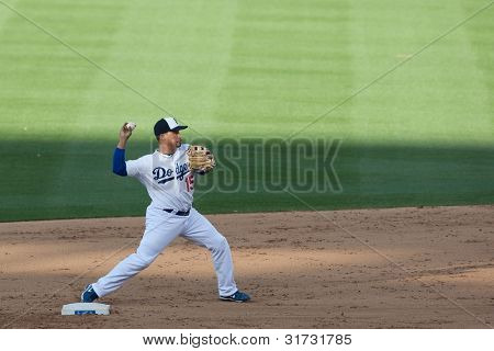 LOS ANGELES - 30 de maio: Los Angeles Dodgers SS Rafael Furcal #15 durante o jogo MLB entre a cor
