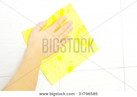 yellow sponge cleaning