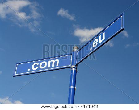 Com And Eu Domain Roadsign