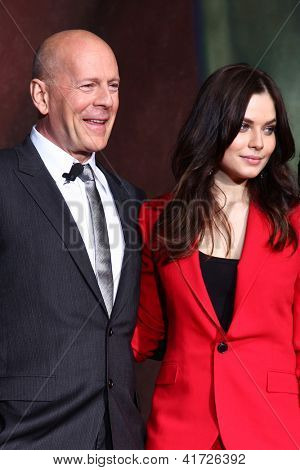 LOS ANGELES - JAN 31:  Bruce Willis, Yuliya Snigir at the 'A Good Day to Die Hard