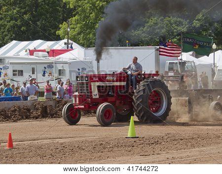 International Turbo Bushville Lanes Tractor Smoking