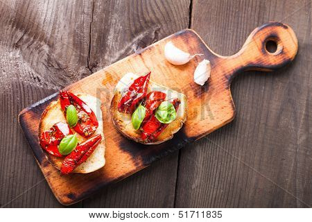 Bruschetta With Sun Dried Tomatoes