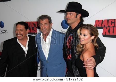 LOS ANGELES - OCT 2:  Danny Trejo, Mel Gibson, Robert Rodriguez, Alexa Vega at the