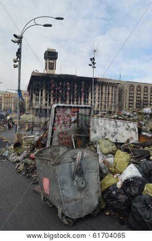 KIEV, UKRAINE -MAR 17, 2014: Downtown of Kiev.Barricades.Rio t in Kiev and Western Ukraine.March 17, 2014 Kiev, Ukraine