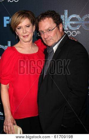LOS ANGELES - MAR 18:  Romy Rosemont, Stephen Root at the GLEE 100th Episode Party at Chateau Marmont on March 18, 2014 in West Hollywood, CA