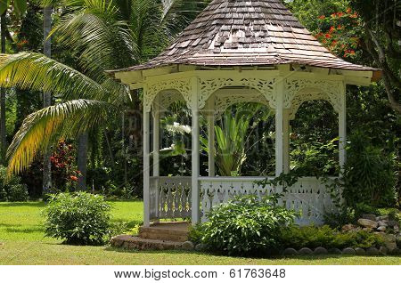 Gazebo in Shaw Park Botanical Gardens