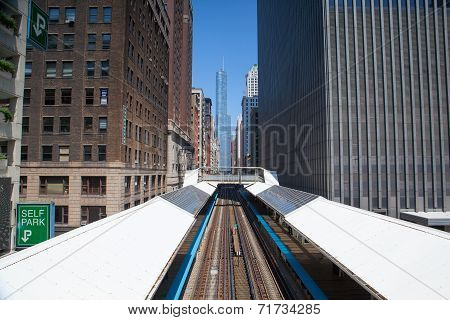 Famous Elevated Overhead Commuter Train In Chicago.