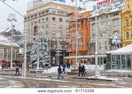 Zagreb main square snow