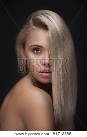 women with long blond hair