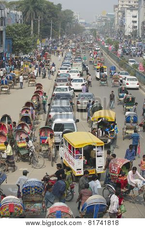 Busy traffic at the central part of the city in Dhaka, Bangladesh.
